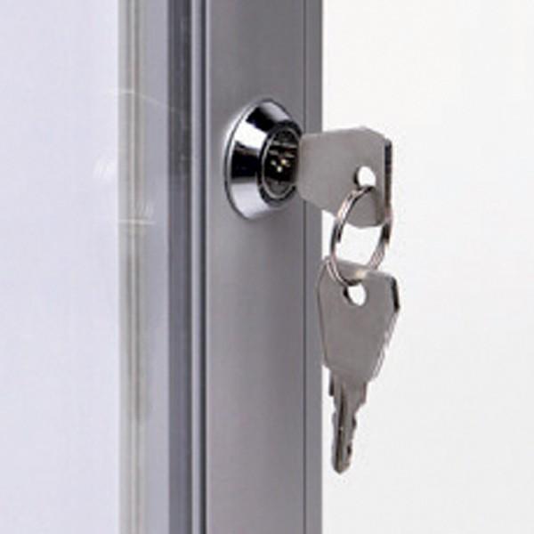 chiusura bacheca con serratura